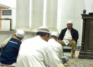 kuliah-subuh-3okt07-masjid-bi.jpg