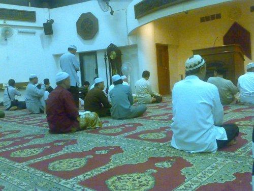Suasana i'tikaf di Masjid raya Bintaro