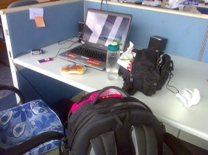 Di kantor klien ...mau mandi dulu ...biar suegerrrrr...