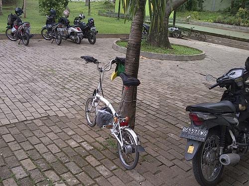 Parkir di masjid Kementan