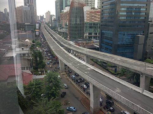 Jalan layang Casablance dari lantai 8 gedung Cyber2