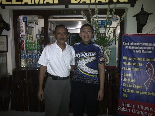 Diantar Manju, dari hotel Mataram, buat ke stasiun. Padahal jarak sangat dekat.