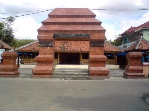 Masjid Kuncen - tampak depan