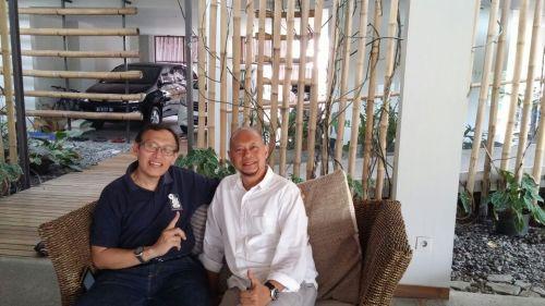 Di rumah mas Nurhasan Akbar, Solo.